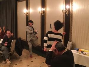 """酔うほどにボルテージがあがり、懐かしの""""ひげダンス"""""""